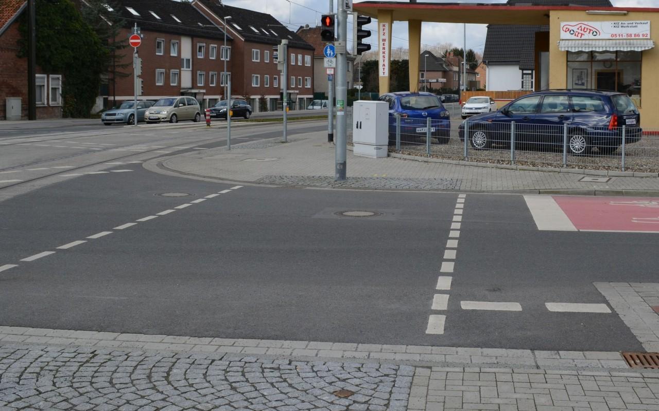 Fußgängerfurt samt passendem Signal (Hannover)
