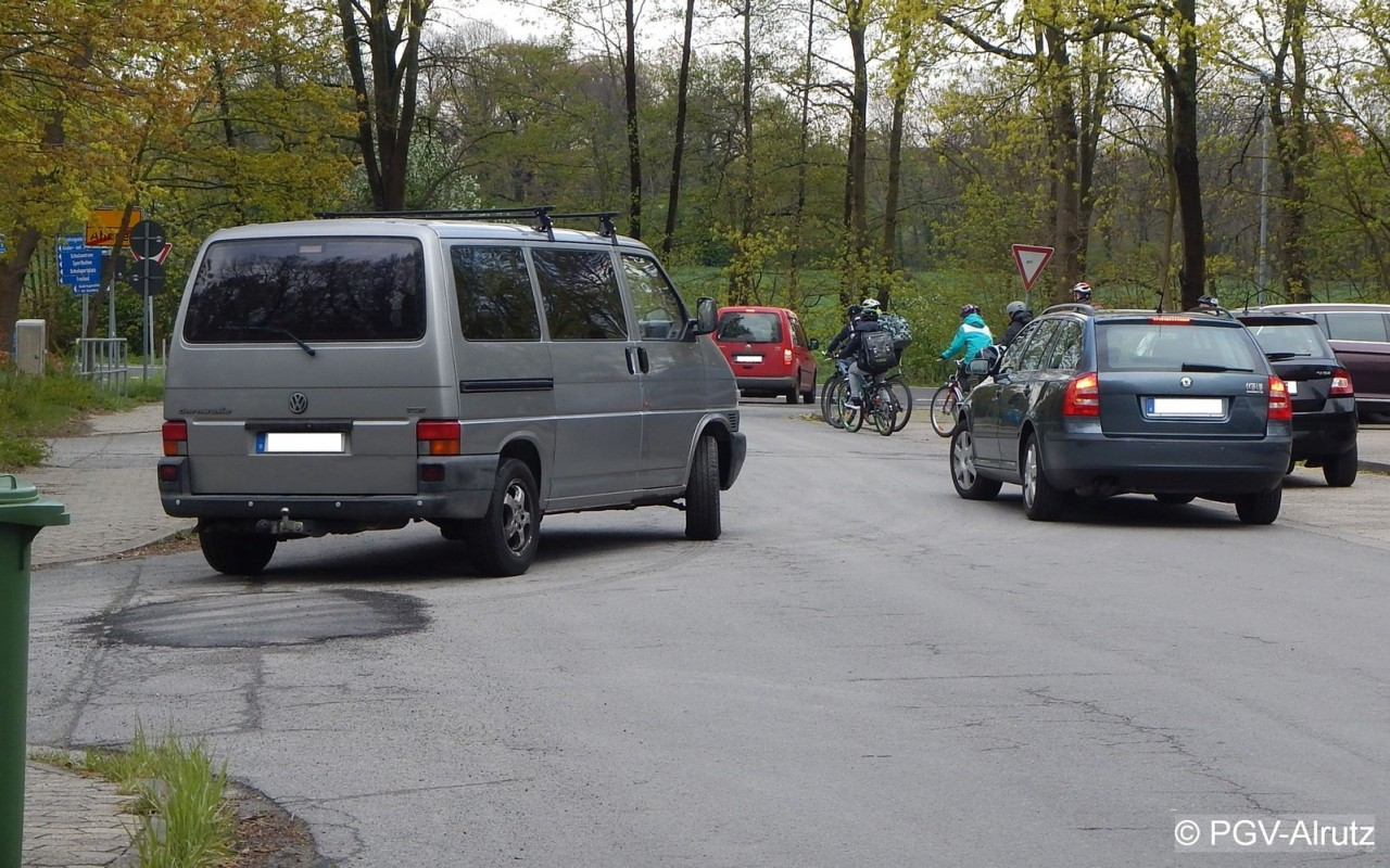 Hol- und Bringverkehr am Schulzentrum Meinersen